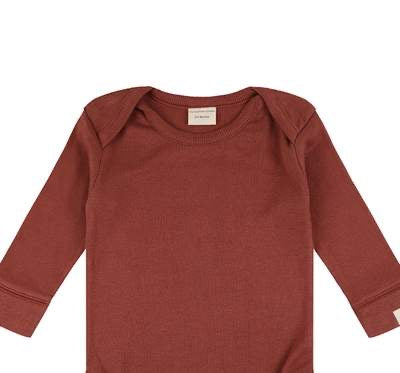 Rib layering top in brick