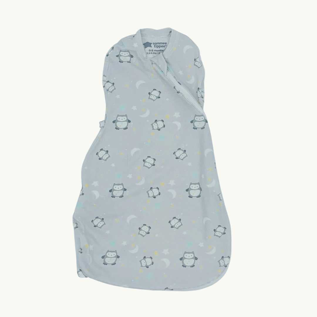 Gently Worn Tommee Tippee penguin sleeping bag size 0-3 months