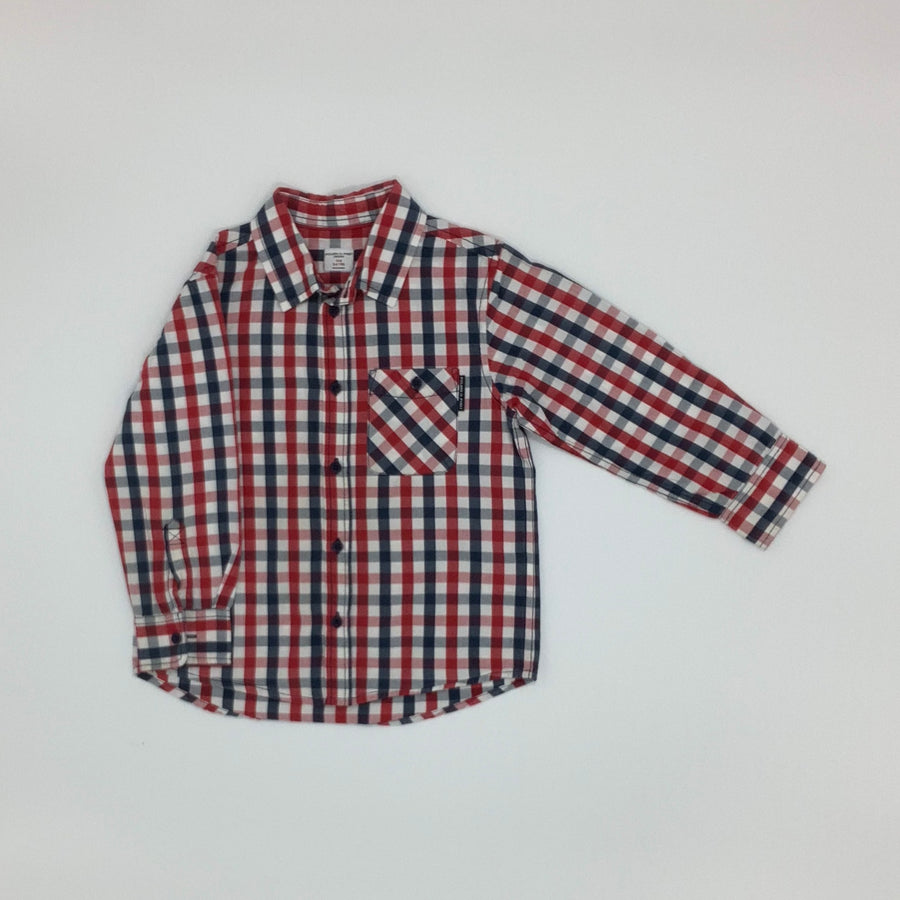 Hardly Worn  Polarn O Pyret shirt size 3-4 years