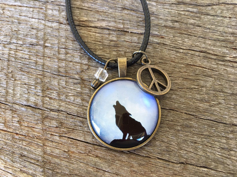 Howling Wolf Crystal Pendant Boho Necklace