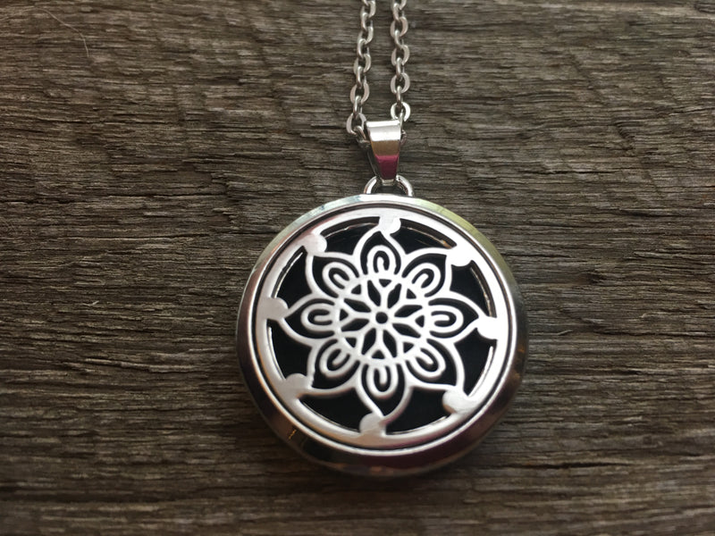 Essential Oil Aromatherapy Pendant Flower Swirl