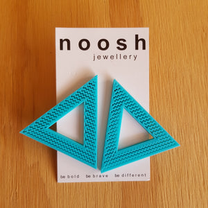 Item 151 - Mega Triangle Studs