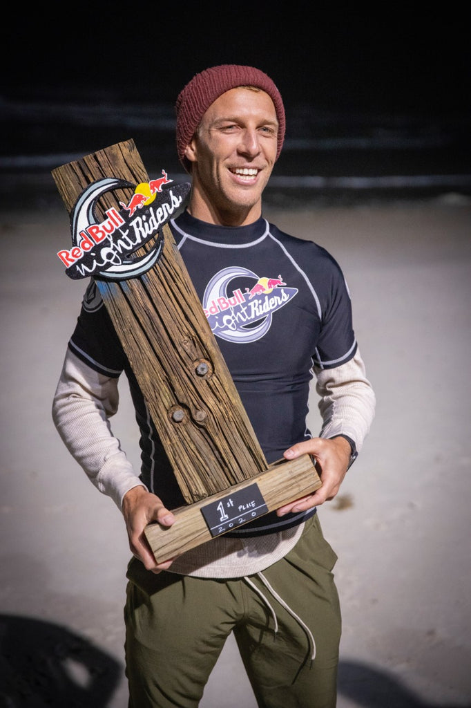 CODY THOMPSON WINS 2020 RED BULL NIGHT RIDERS SURF COMP