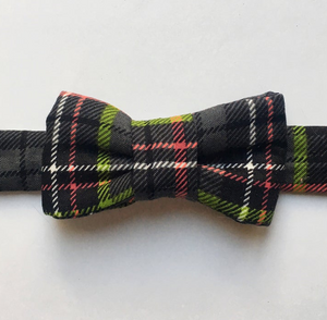 Holiday Plaid Bow Tie For Cats - Black Plaid