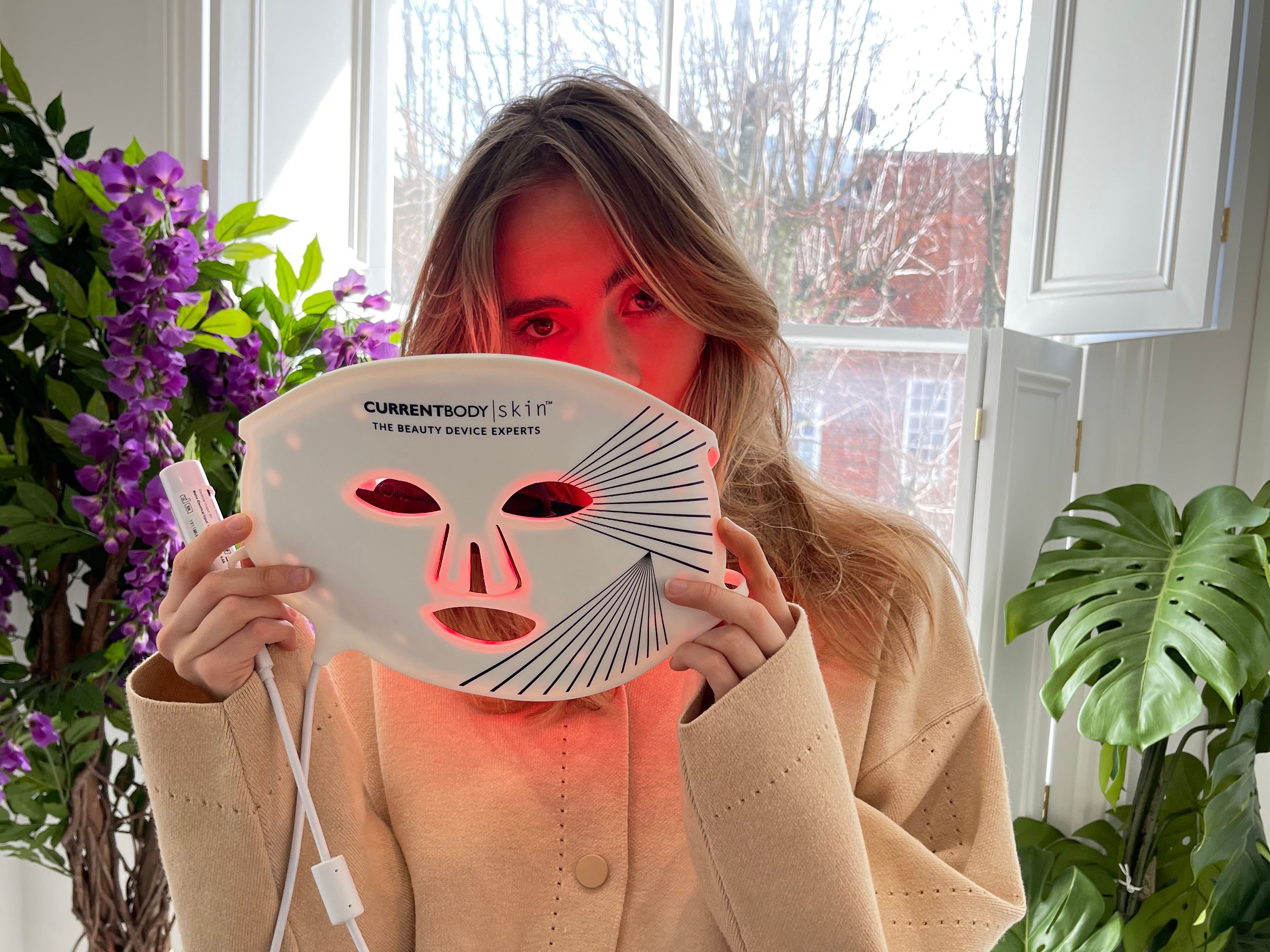 The device Suki Waterhouse is loving