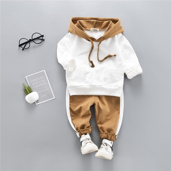 Boys Mountain Bear Hooded Set