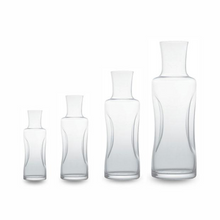 Load image into Gallery viewer, Gabriel Glas Aqua Carafe