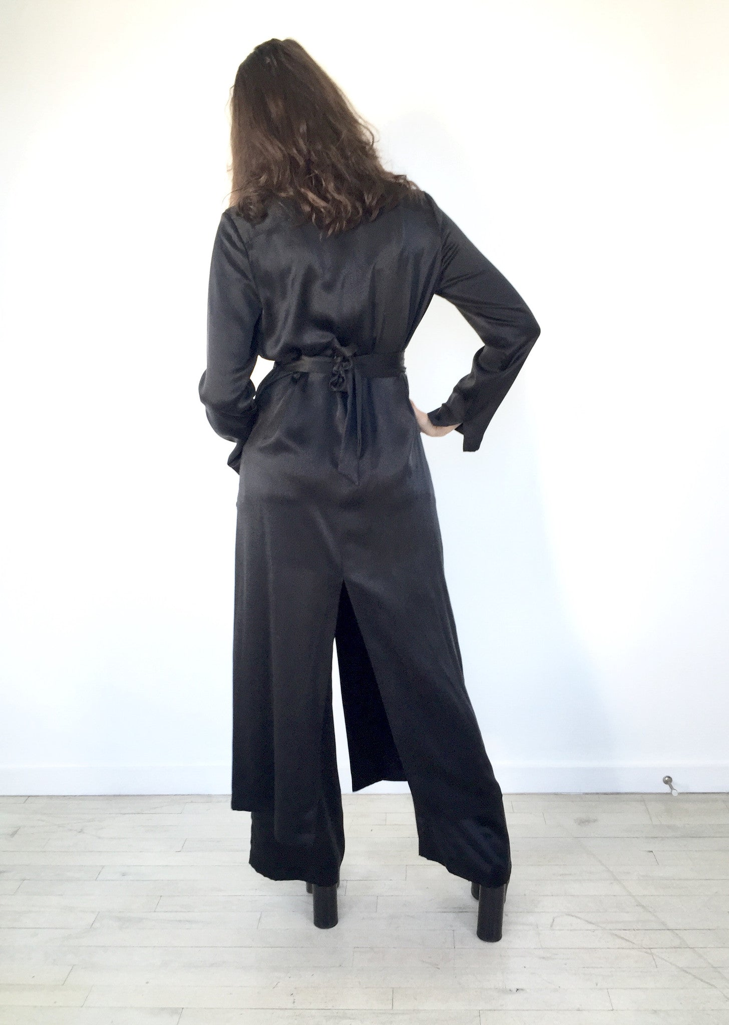signature Silk charmeuse Duster Robe Kimono Jacket Wendy Nichol clothing fashion designer Handmade in NYC New York city custom color fabric Made to measure tailoring tailor