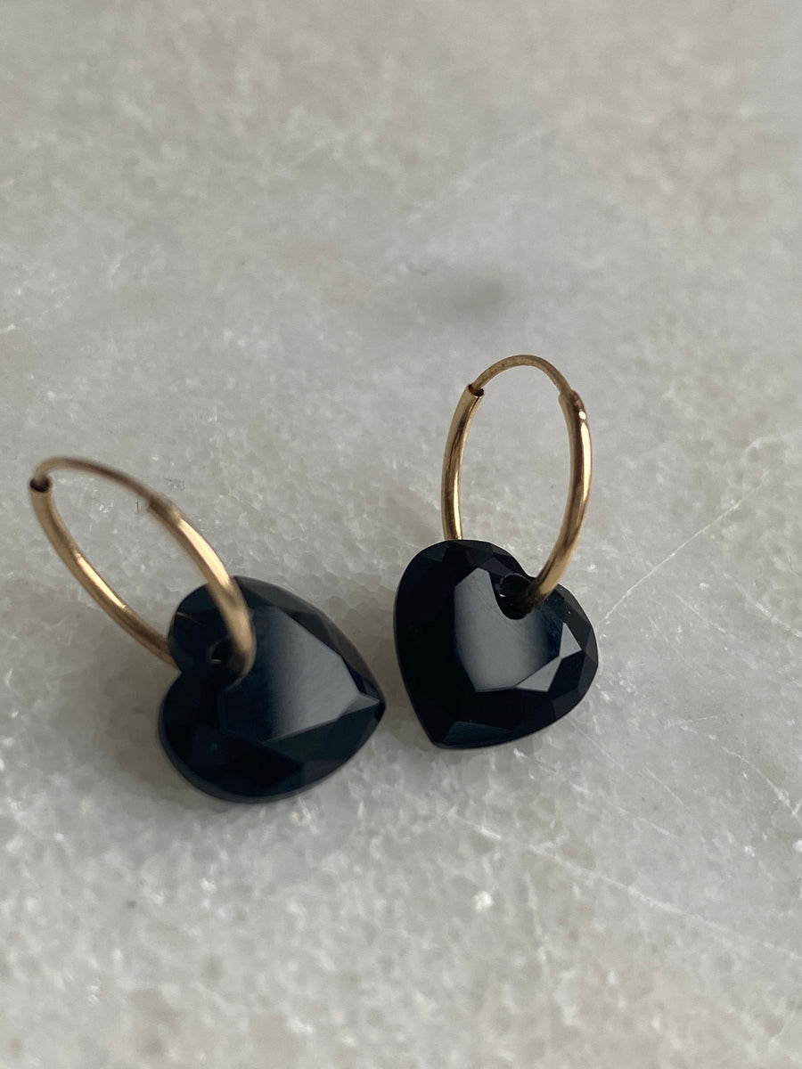 [Single] Black Onyx Heart Endless Hoop Earring [Limited Quantities]