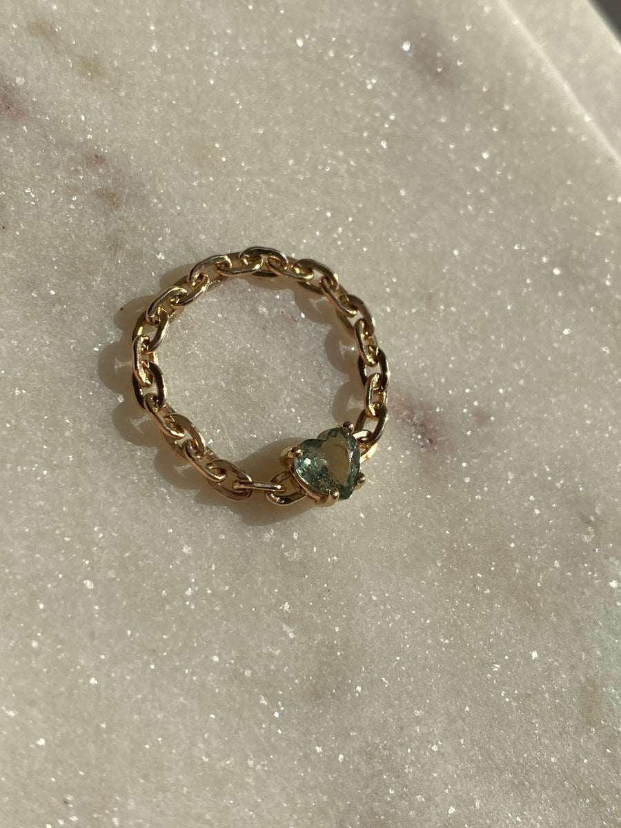 6mm Green Sapphire Heart Chain Ring