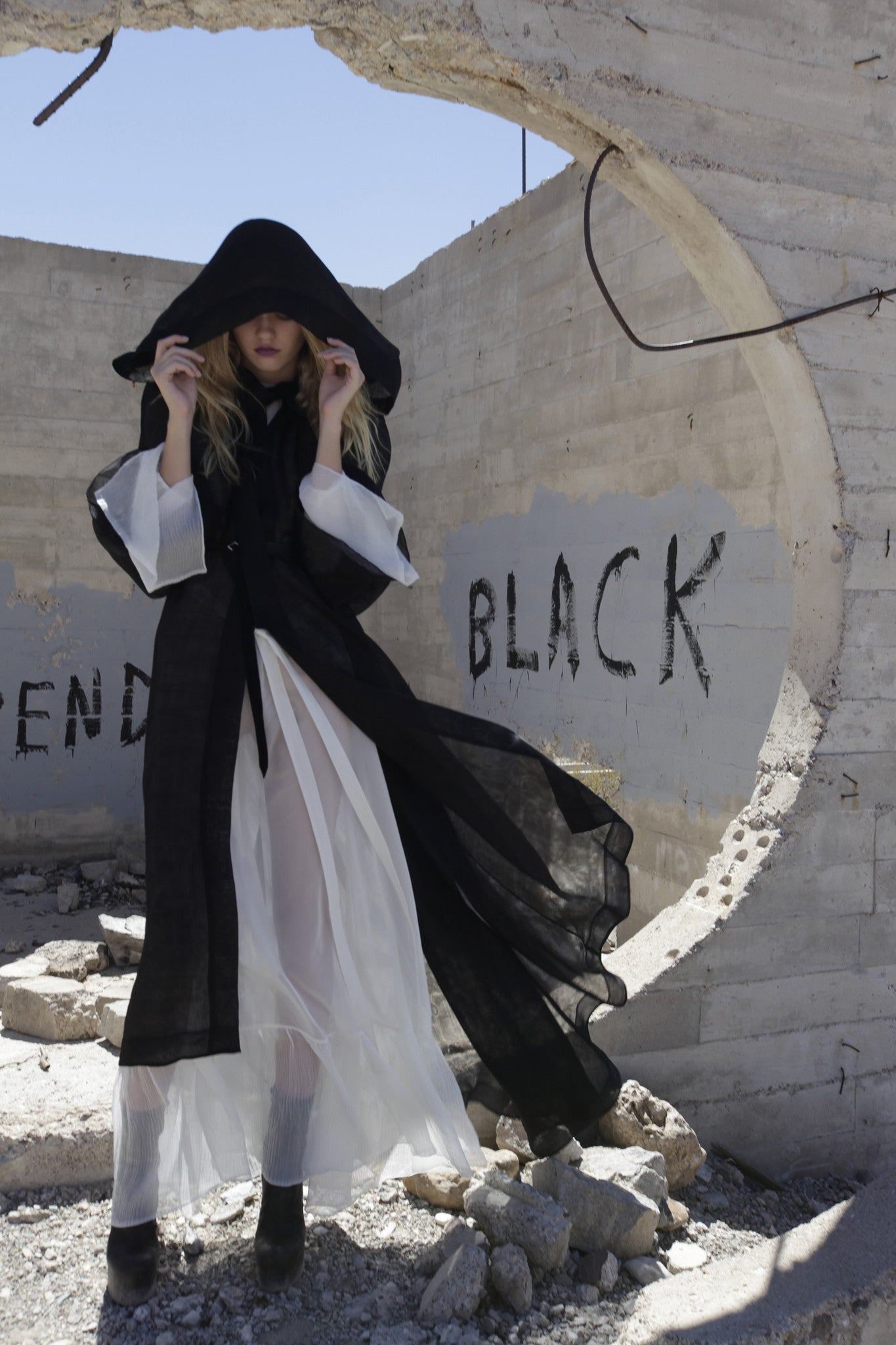 Maggie Laine IMG model Sheer Hood Hooded Cape Cloak White Sheer Dress Wendy Nichol Clothing Designer SS17 Fashion Runway Show Death Valley