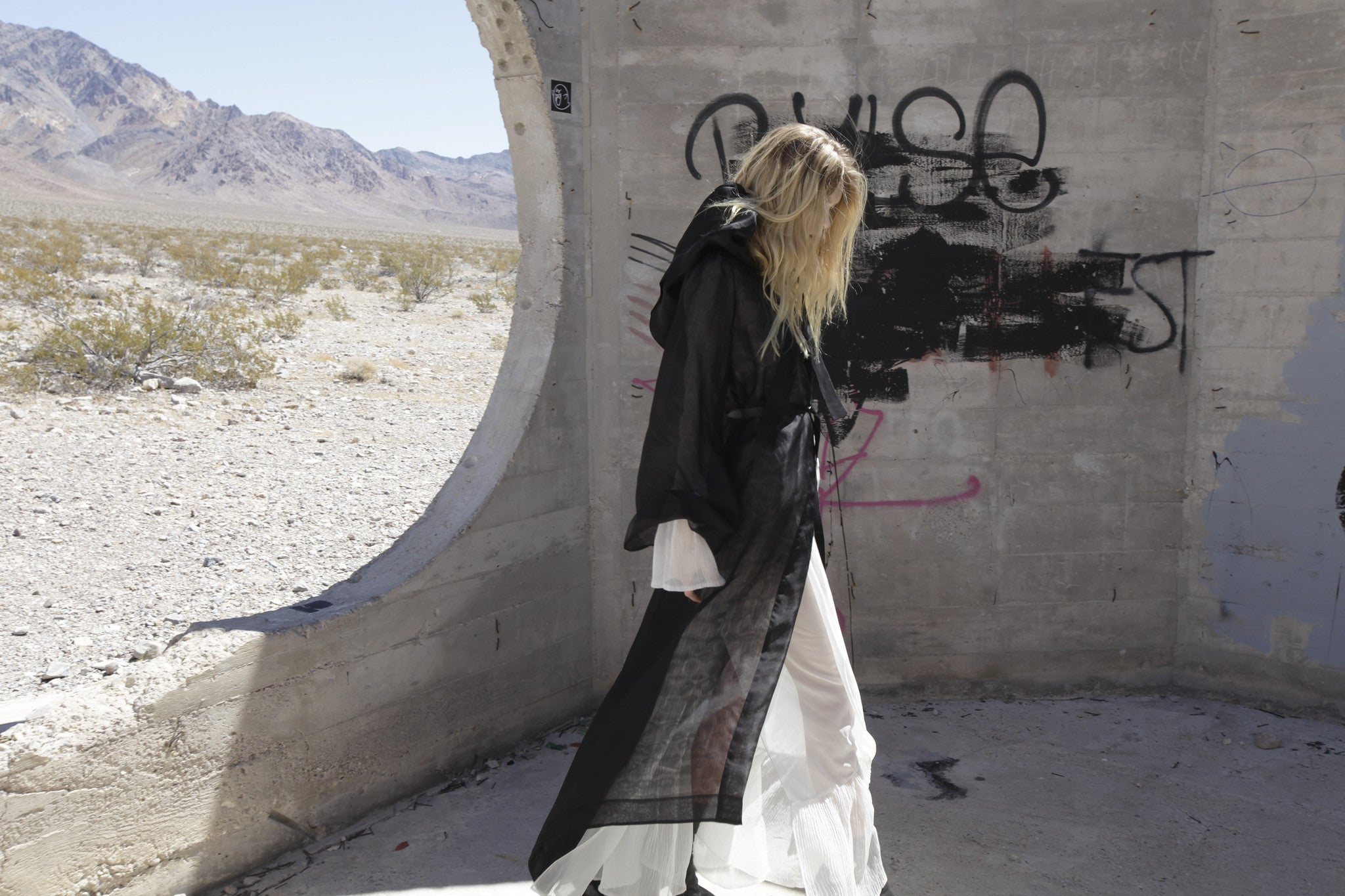Maggie Laine IMG model Sheer Hood Hooded Cape Cloak White Sheer Dress Wendy Nichol Clothing Designer SS17 Fashion Runway Show Death Valley Desert Shoot