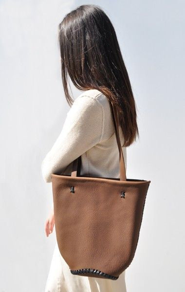 Brown Horse Vegetable Tanned Leather Mini Tote Wendy Nichol Handbag bag Purse Designer Handmade in NYC New York City  braided Basket Everyday Simple Durable Light Medium Tote Eco Leather High Quality Leather