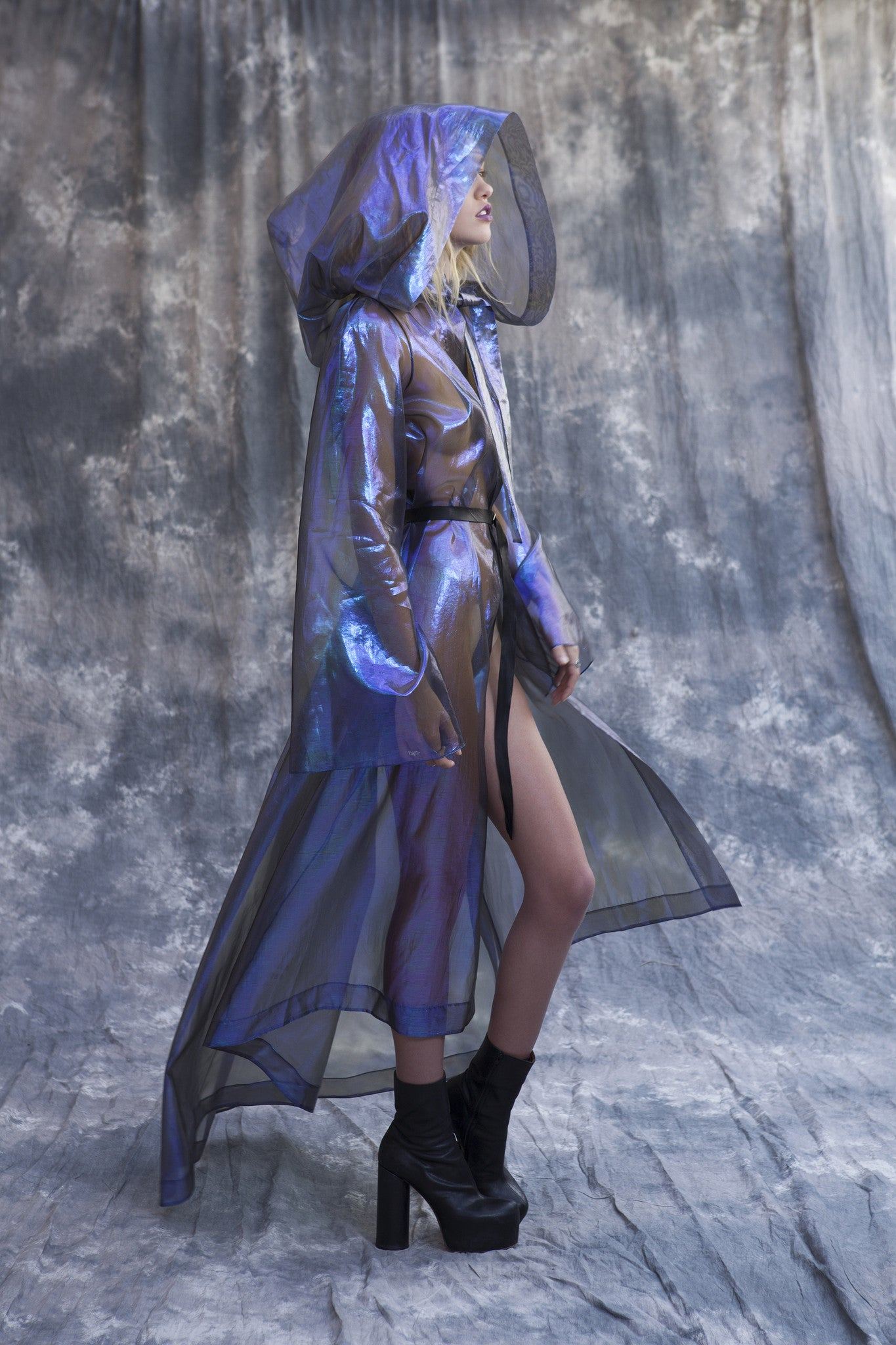 Maggie Laine IMG model Wendy Nichol SS17 Fashion Show Death Valley Hooded Psychedelic Coat Wizard Holographic