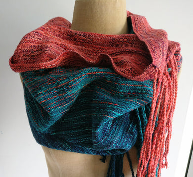 Glory cowl with long fringe