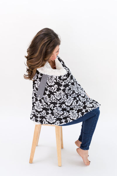Damask/ White Plush Blanket On The Go™