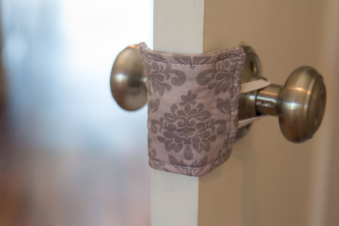 Shushie™ Gray Damask