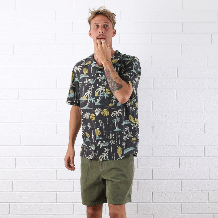 Luau Hawaiian Shirt - Black