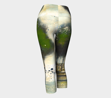 Load image into Gallery viewer, Green Tree Line Yoga Capris