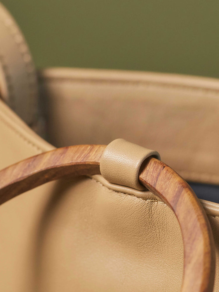 Leather-Tote and Crossbody-Handbag-Cappucino-Bag-by-PaytonJames-Nashville-designer closeup of wood handle