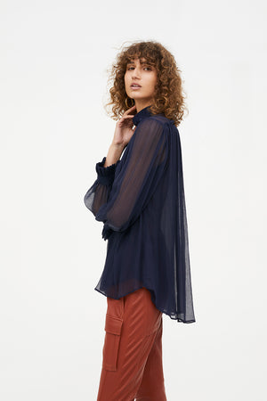 FEATHER WEIGHT BLOUSE