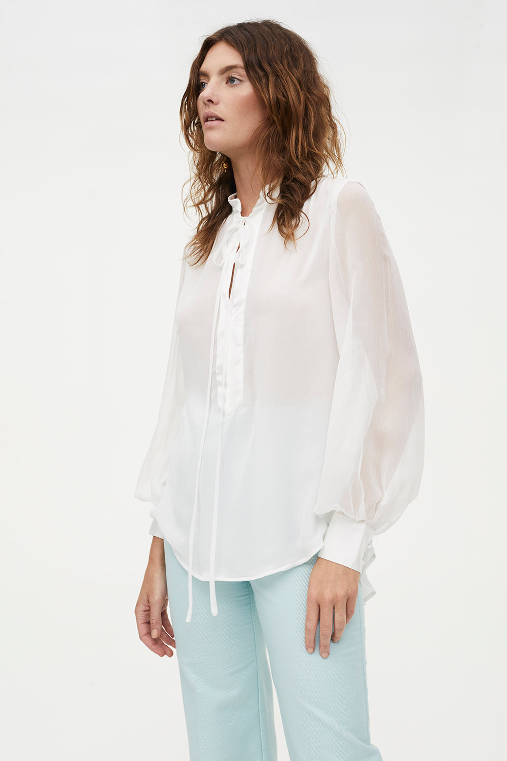 WHITE LIGHT BLOUSE