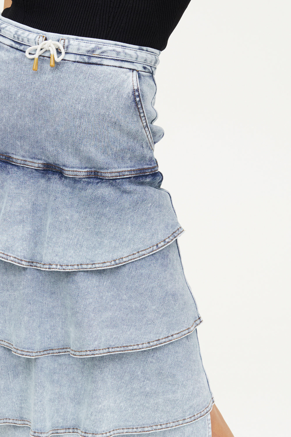 BLEACH TREATMENT DENIM SKIRT