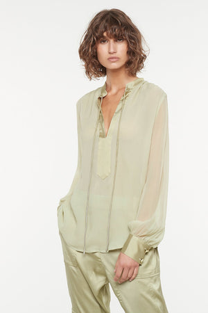 COURTING ROMANCE BLOUSE