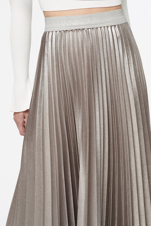 FLASH DRIVE PLEATED SKIRT