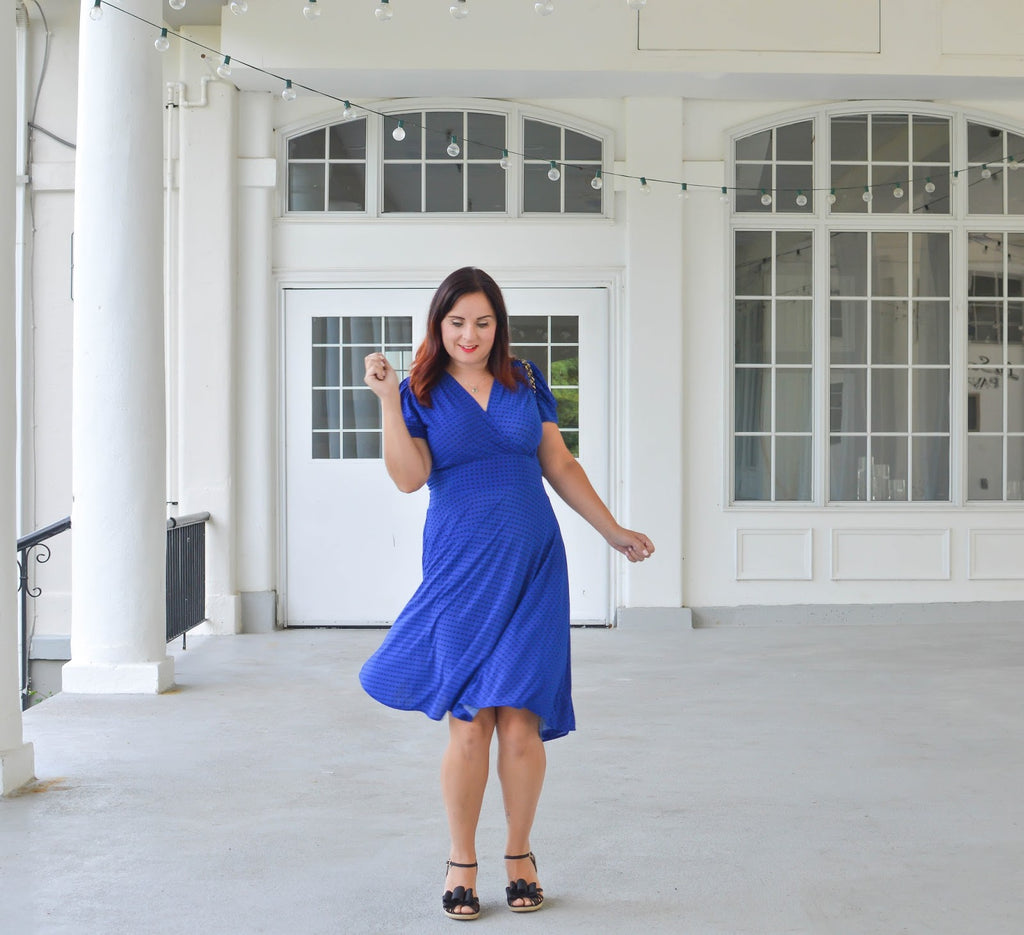 Blogger Teach in Fashion in the Megan Dress in Cobalt with Black Dots