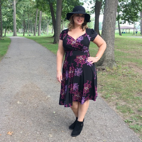 Blogger Curvy Girl on the Run in the Karina Dresses Trudy dress