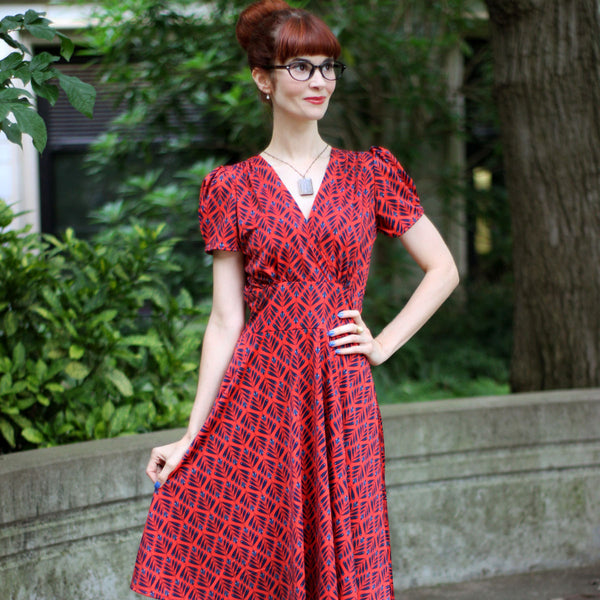 1940s Fashion Advice for Short Women Megan Dress - Teachers Pet $108.00 AT vintagedancer.com