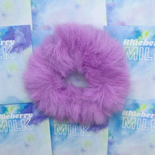 Load image into Gallery viewer, Faux fur scrunchie
