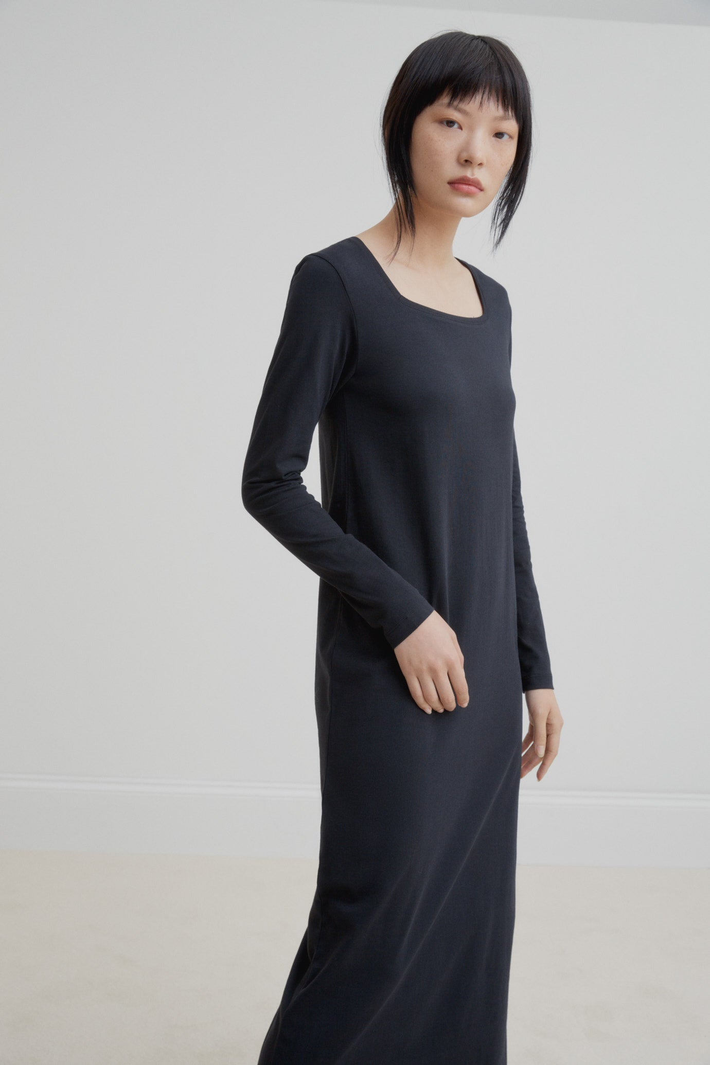 Square Neck Dress schwarz