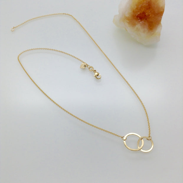 14k Gold Interlocking Circles Necklace