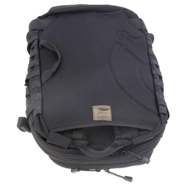 SNIGELDESIGN 40L Specialist backpack 14