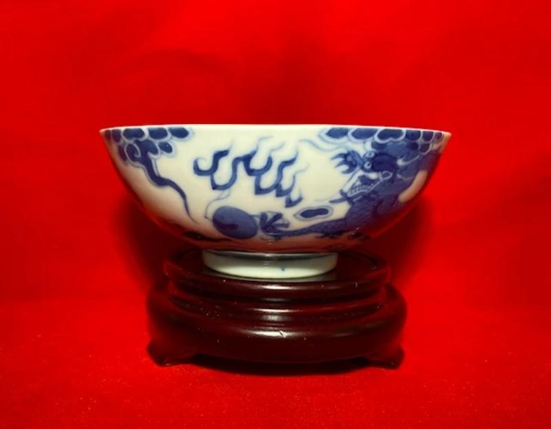 19th Century Bleu de Hue Horse and Dragon Bowl 3