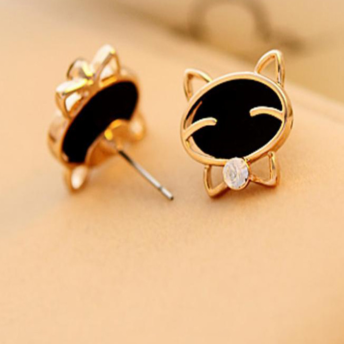 Attractive Fashion Cat Earrings