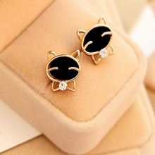 Load image into Gallery viewer, Attractive Fashion Cat Earrings