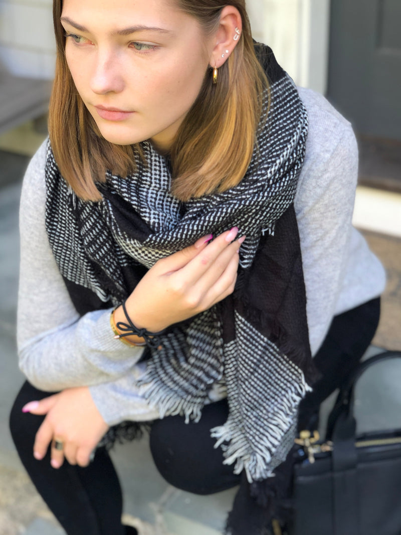 SALE! Black and White Lexi Blanket Scarf