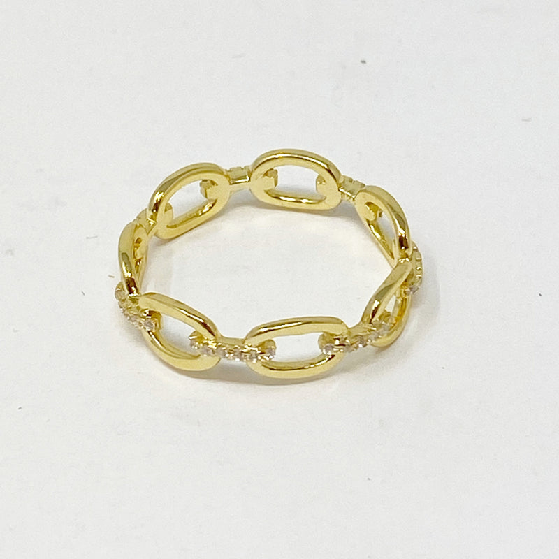Chainlink Ring With Pave Stones in Gold