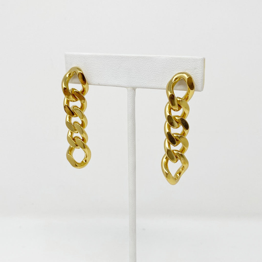 Chunky Chainlink Earrings in Gold