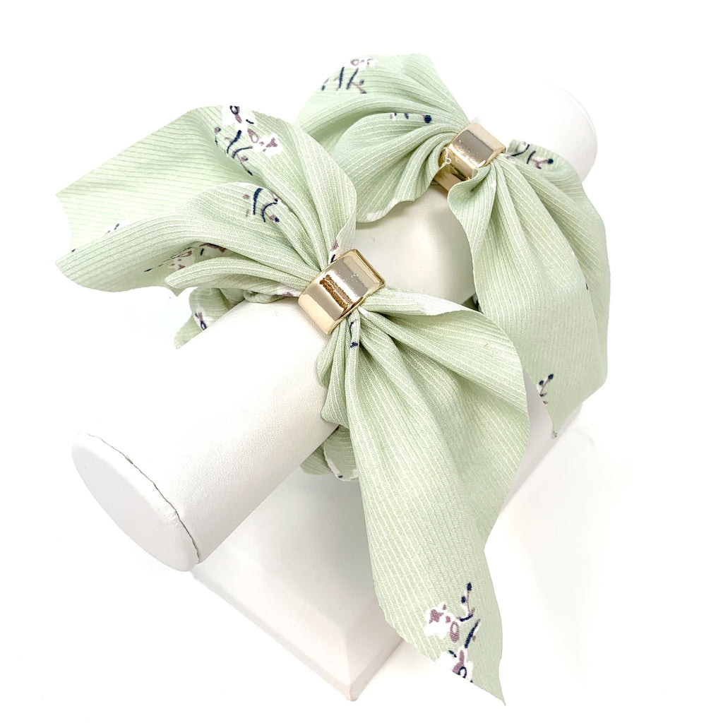 Floral Bow Scrunchie in Mint
