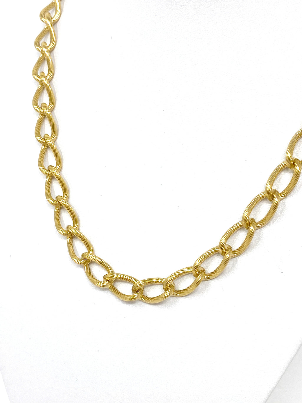 The Golden Isle Chainlink Necklace