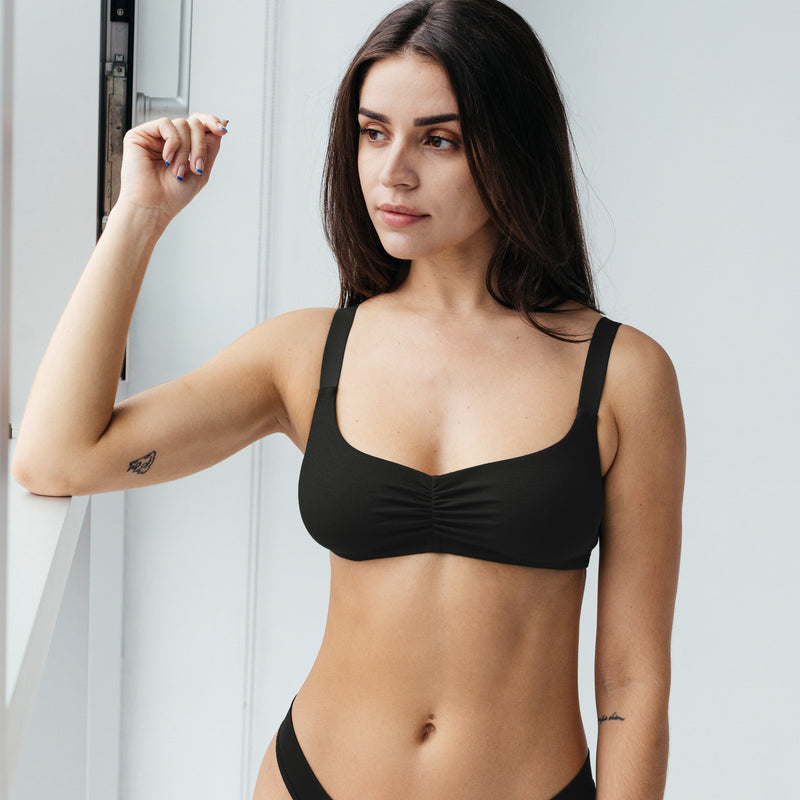 Caress Sweetheart Bralette Black - Monique Morin