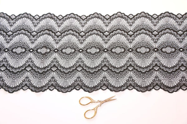 Black Waves Stretch Lace - 1,80 Meters