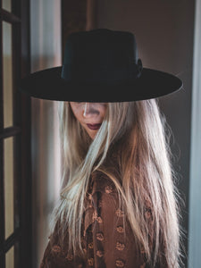 The Lady Wide brim hat