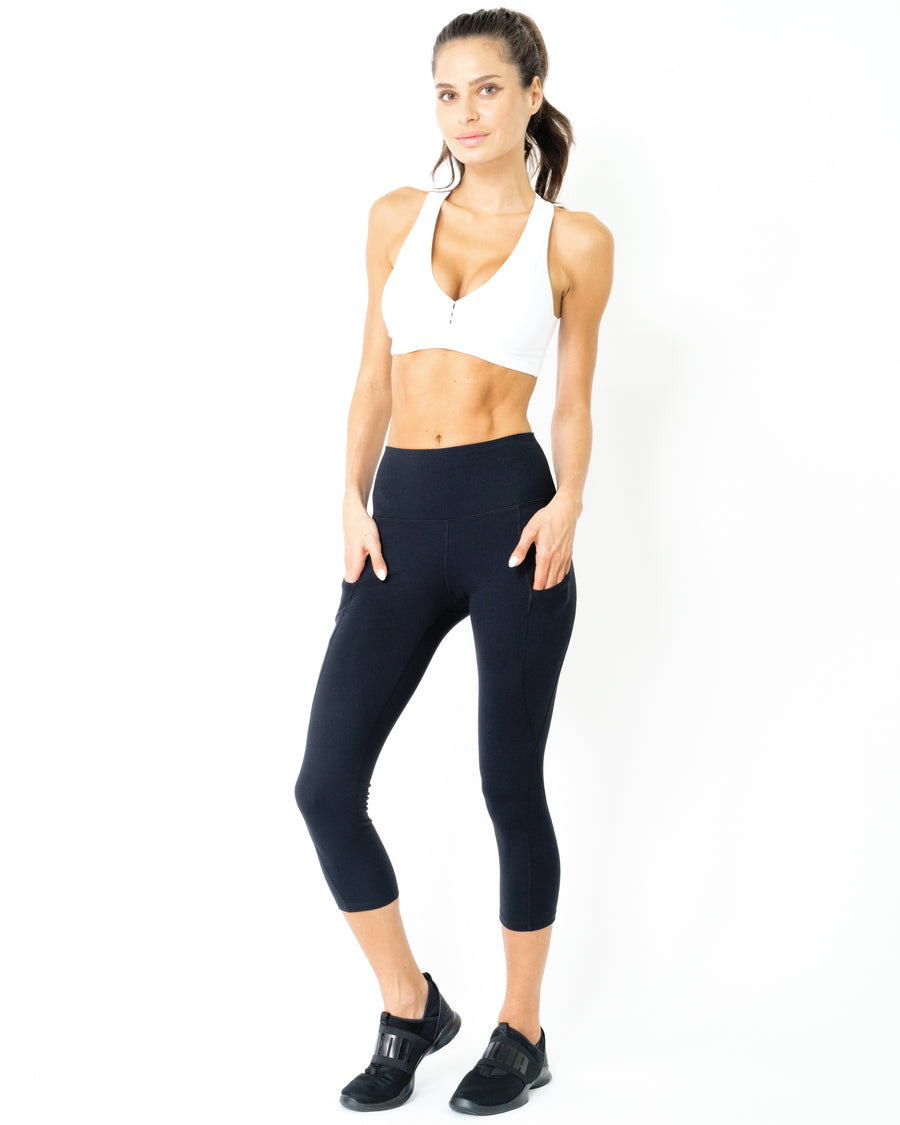 JOLIE High-Waisted Capri Leggings With Hip Pockets
