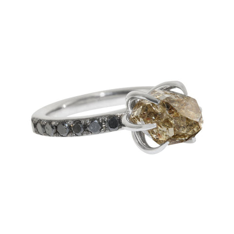 White Gold Six Claw Ring