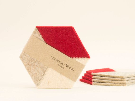 AnonimaMente Felt Coasters - Red & Cream Hexagon